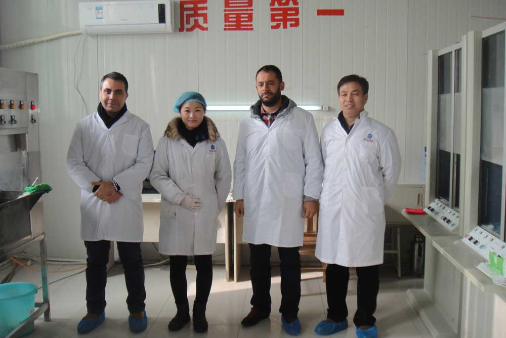 condom buyers from Turkey visit our condom test Lab